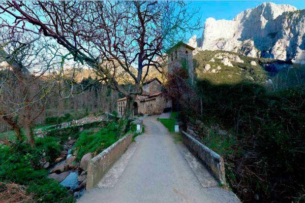 Camino Lebaniego en 3 días San Vicente Santo Toribio de Liébana Cantabria